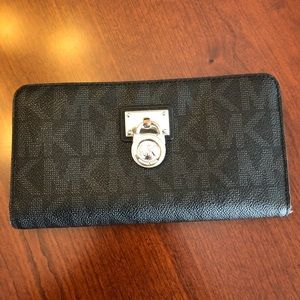 Michael Kors Signature Hamilton Lock Wallet